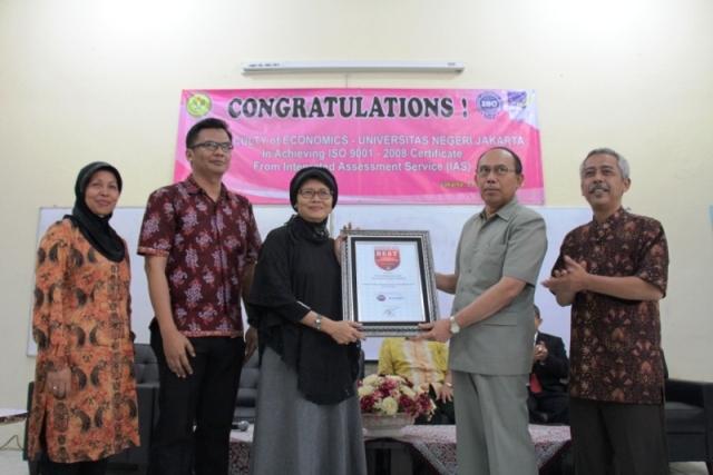 Penghargaan Best School of Management 2014