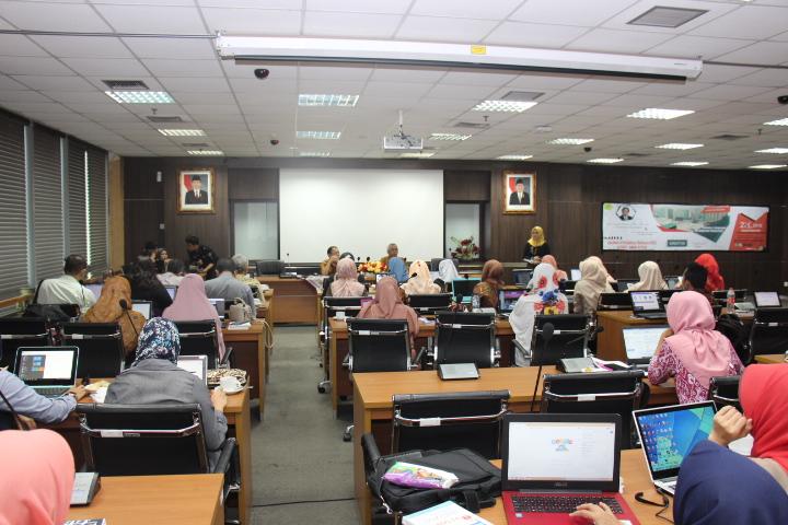 Seminar dan Workshop Metodologi Penelitian : Analisis SEM (LISREL, AMOS dan PLS)